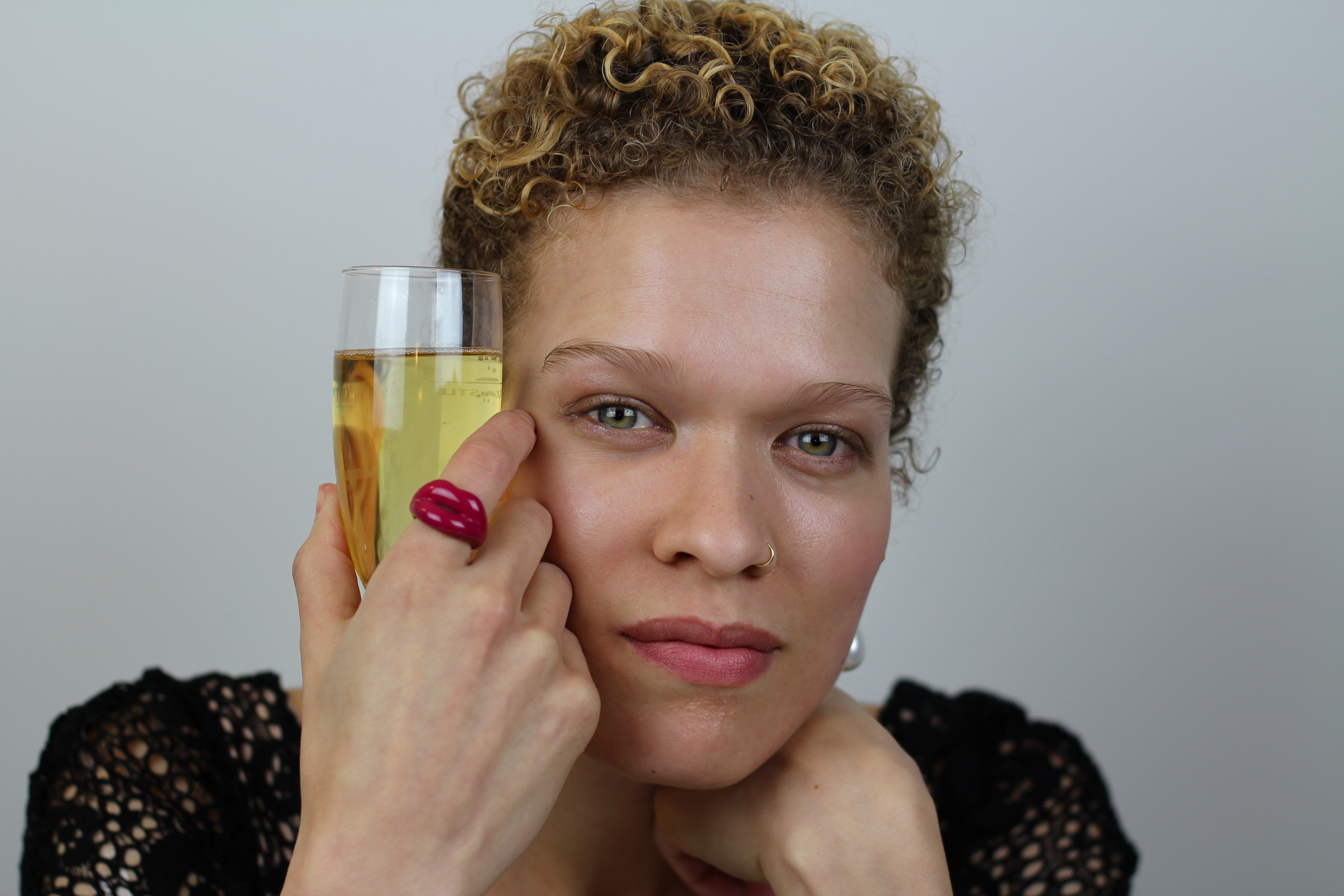 Beauty Fashion 1501 Videos: The Seventh Sphinx » Champagne