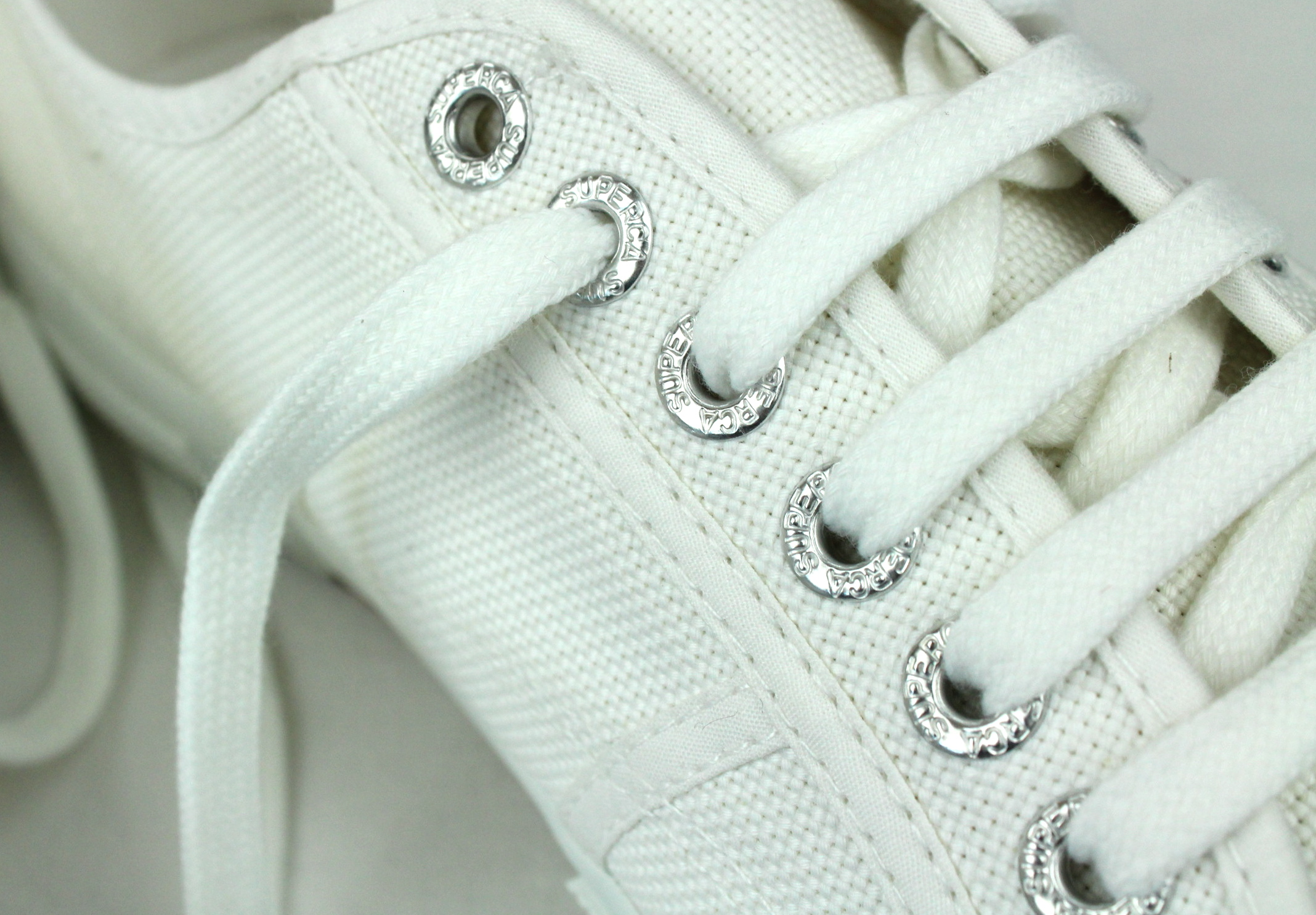 The Seventh Sphinx » more white stuff: Supergas